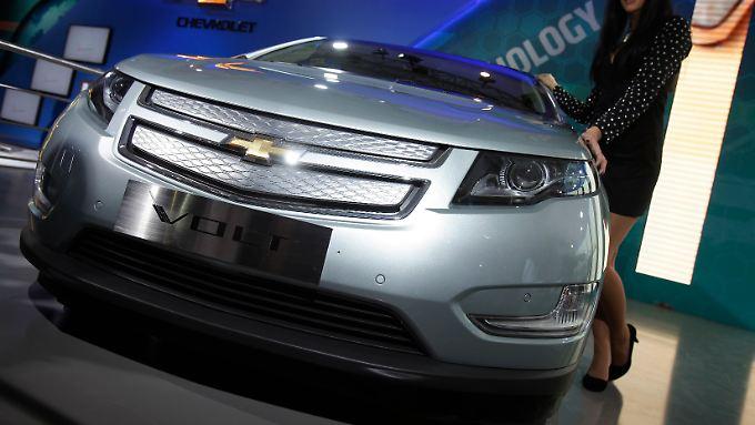 Chevy Volt: Statt mit neuen Modellen den Branchenführer Toyota anzugreifen, kämpft GM mit Fehlern aus der Vergangenheit.