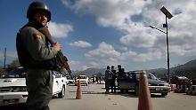 Afghanische Kräfte übernehmen nach und nach die Verantwortung für die Sicherheit im Lande. Ob sie ohne die Hilfe westlicher Militärs auskommen, ist allerdings ungewiss.