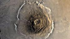 Auf fernen Planeten und Monden: Vulkane weit draußen im All