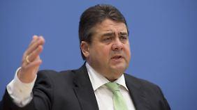 """Gabriel verteidigt Industrie-Rabatt: """"40 Euro im Jahr für ein paar Hunderttausend Arbeitsplätze"""""""