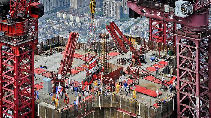 Die Konjunktur der zweitgrößten Volkswirtschaft der Welt lahmt. Im Sommer legte sie mit einem Plus von 7,3 Prozent so langsam zu wie seit Anfang 2009 nicht mehr.