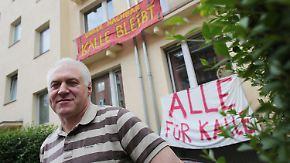 """Weltweite """"Alle für Kalle""""-Proteste: Kölner Mietrebell räumt seine Wohnung"""