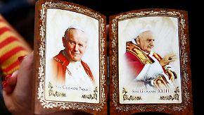 Zeremonie auf dem Petersplatz: Johannes XXIII. und Johannes Paul II. sind heilig