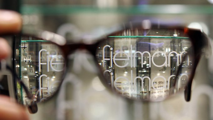 Auch für 2015 gibt sich Fielmann zuversichtlich und will seine Marktanteile ausbauen.