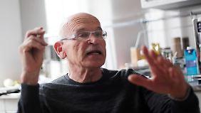 Journalist Günter Wallraff wurde durch seine Undercover-Reportagen über viele Großunternehmen berühmt.