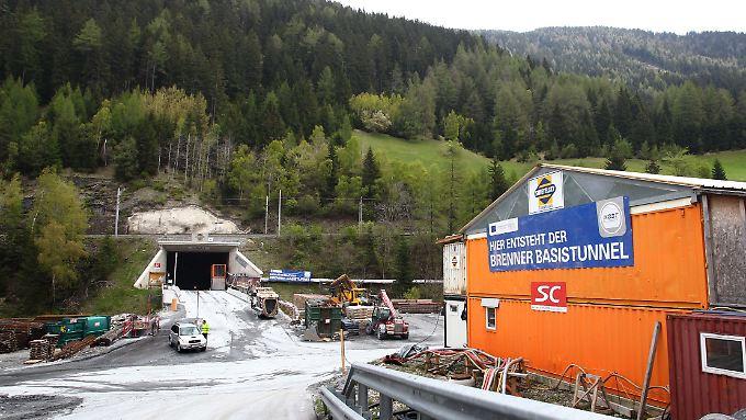 """Der Zugangsstollen bei Steinach: """"Bayern muss alles dafür tun, dass die Zulaufstrecke für Berlin eine zwingende Notwendigkeit wird:"""""""