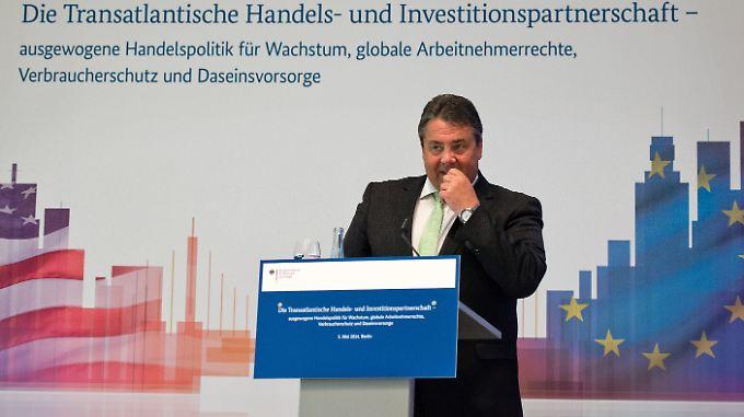 Sigmar Gabriel macht Werbung für das transatlatische Freihandelsabkommen TTIP.
