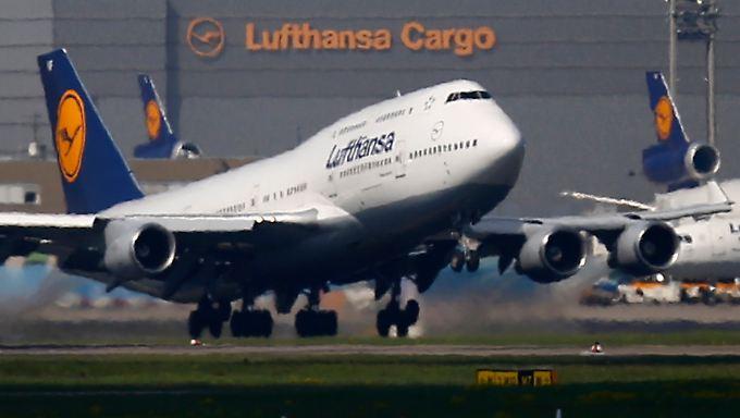 In den Startlöchern: Zum traditionell schwachen Jahresbeginn kommt Lufthansa noch nicht so  richtig vom Boden - drückt aber ordentlich aufs Gas.