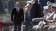 In diesem Jahr erfährt die alljährliche Parade besondere Aufmerksamkeit - spielt doch Russlands Präsident Wladimir Putin ...