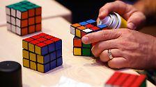 """Der Zauberwürfel wird 40: """"Rubik's Cube"""" - die weltweite Spiellegende"""