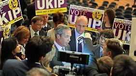 Politisches Erdbeben: Eurokritiker und Rechtspopulisten ziehen nach Brüssel