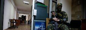 Rebellenchef in Lugansk warnt OSZE: Separatisten lassen Geiseln frei