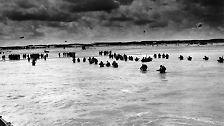"""Einen Tag später, es ist eine windige und kalte Nacht, beginnt die Operation """"Overlord, die Invasion der alliierten Truppen in der Normandie."""