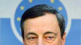 """""""Sparer zahlen die Zeche"""": EZB-Entscheidung wird harsch kritisiert"""
