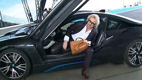 Acht Schlüssel übergeben: BMW feiert erste i8-Besitzer