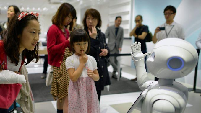 Robotern kommt künftig eine immer größere Rolle zu.