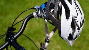 Keine offizielle Tragepflicht: Justiz setzt Radfahrern den Helm auf