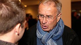 Zwischen 1987 und 1990 sowie zwischen 2006 und 2008 war Josef Hickersberger Trainer der österreichischen Nationalmannschaft. Für n-tv.de analysiert er die deutschen EM-Spiele.