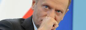 Tusk spricht erstmal von Neuwahlen, sollte das Vertrauen in die Regierung nachhaltig gestört sein.