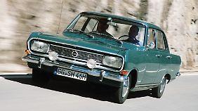 Mit 90 PS brachte es der Opel Rekord auf immerhin 160 km/h.