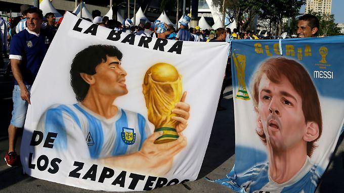 Kann König Fußball die Argentinier ein wenig ablenken?