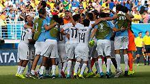 Ex-Weltmeister scheitert in der Vorrunde: Uruguay beißt Italien weg
