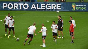 Algerien hofft auf Sensation: DFB-Elf bereitet sich auf Achtelfinale vor