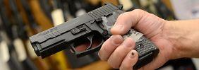 Razzia in der Pistolen-Schmiede: Ermittler durchsuchen Sig Sauer