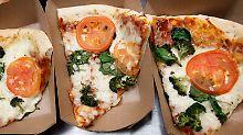 Flieger sitzt in Wyoming fest: Pilot bestellt Pizza für seine Passagiere