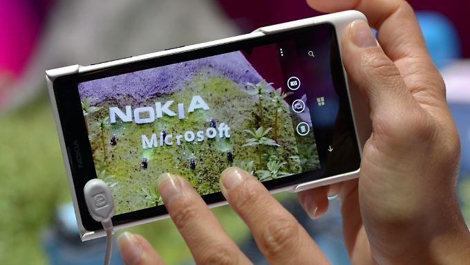 Microsoft hat rund 30.000 Mitarbeiter von Nokia übernommen.
