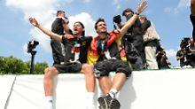Erst Pott und Party, dann Urlaub: Sechs WM-Helden zieht es an die Adria-Küste