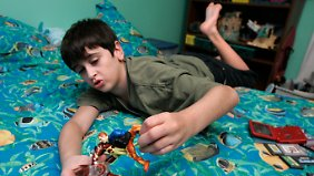 Für den elfjährigen Ryan ist es weniger anstrengend, allein zu spielen.