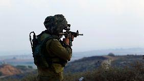 Hunderte zivile Opfer in Gaza: Israel weitet Militärschläge aus