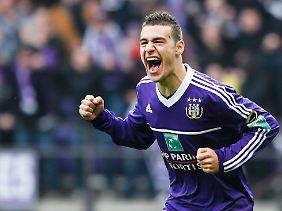 Der neue Rekordtransfer der Zweiten Liga, Massimo Bruno. Er wird wahrscheinlich nie in der Zweiten Liga auflaufen.
