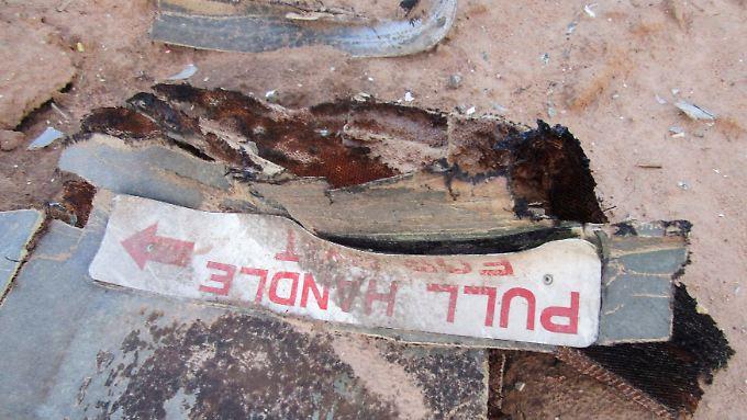 Ein Trümmerteil von Flug AH5017 von Air Algérie. Das Flugzeug stürzte über Mali ab.