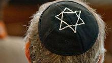 """Antisemitismus in Deutschland: Zentralrat: Juden """"relativ sicher"""""""