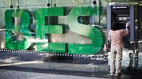 Portugisiesche Bank ist pleite: Espirito Santo wird mit EU-Geldern gerettet