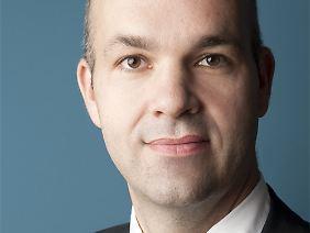Marcel Fratzscher ist Professor für Makroökonomie an der Humboldt-Universität Berlin. Seit Februar 2013 leitet er das Deutsche Institut für Wirtschaftsforschung.