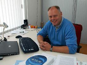 Ron Hendrix arbeitet als Mikrobiologe am Medisch Spectrum in Twente. Er ist außerdem Leiter der Euregio-Netzwerks, das sich für die Bekämpfung von MRSA-Infektionen in Krankenhäusern einsetzt.