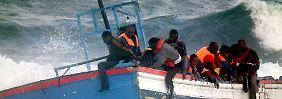 Die Überfahrten der Flüchtlinge sind gefährlich, nicht selten verunglücken die Boote.