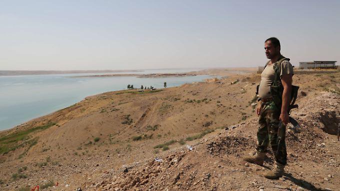 Peschmerga-Kämpfer am Mossul-Staudamm.