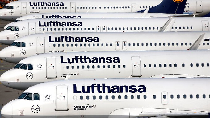 Im Falle eines Streiks will die Lufthansa freiwillige Piloten und Manager mit Pilotenschein einsetzen.