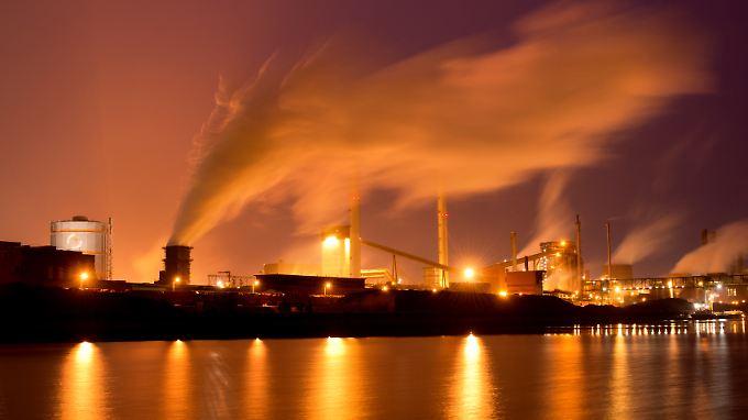 Der Konflikt mit Russland behindert die Nachfrage in wichtigen Absatzmärkten der deutschen Industrie.
