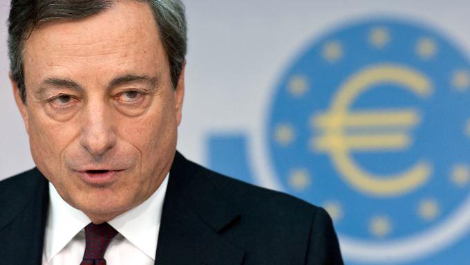 EZB-Chef Mario Draghi will alles unternehmen, damit die Inflation in der Euro-Zone wieder steigt.