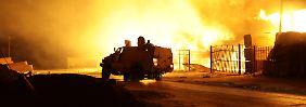 Nach Einnahme von Flughafen: Islamisten verwüsten Tripolis