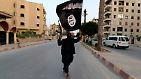 """Die Vorgabe von Al-Kaida-Chef az-Zawahiri, nach welcher die Nusra-Front ihre Aktionen auf Syrien und die ISIS auf den Irak beschränken sollen, lehnt al-Bagdadi ab. Für ihn ist diese Strategie eine indirekte Legitimierung der """"Sykes-Picot-Linie"""", also der Grenze, die die Bastzungsmächte Großbritannien und Frankreich 1916 nach dem Sieg über das Osmanische Reich in die Karte des Nahen Ostens zogen und so die Staaten Syrien und Irak erst kreierten."""