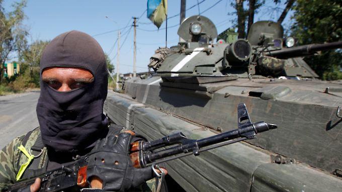 Die ukrainische Armee liefert sich mit den Separatisten derzeit für beide Seiten verlustreiche Gefechte in der Gegend um Donezk.