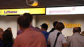Streikende bei Germanwings: Lufthansa will erneut mit Pilotengewerkschaft verhandeln