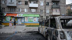 Die Kämpfe in der Ukraine gehen unvermindert weiter - Teile von Donezk sind verwüstet.