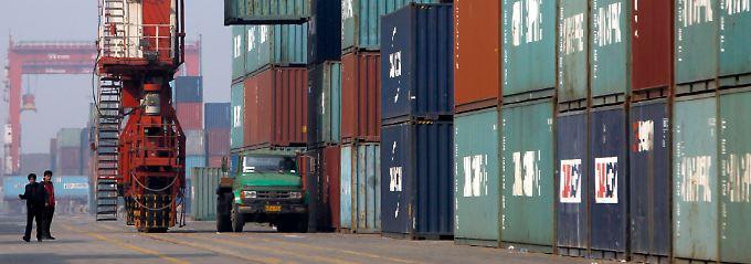 Im Containerhafen von Tianjin.